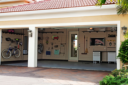 garage organization TIPS TO UN CLUTTER YOUR GARAGE TO HELP SELL YOUR HOME